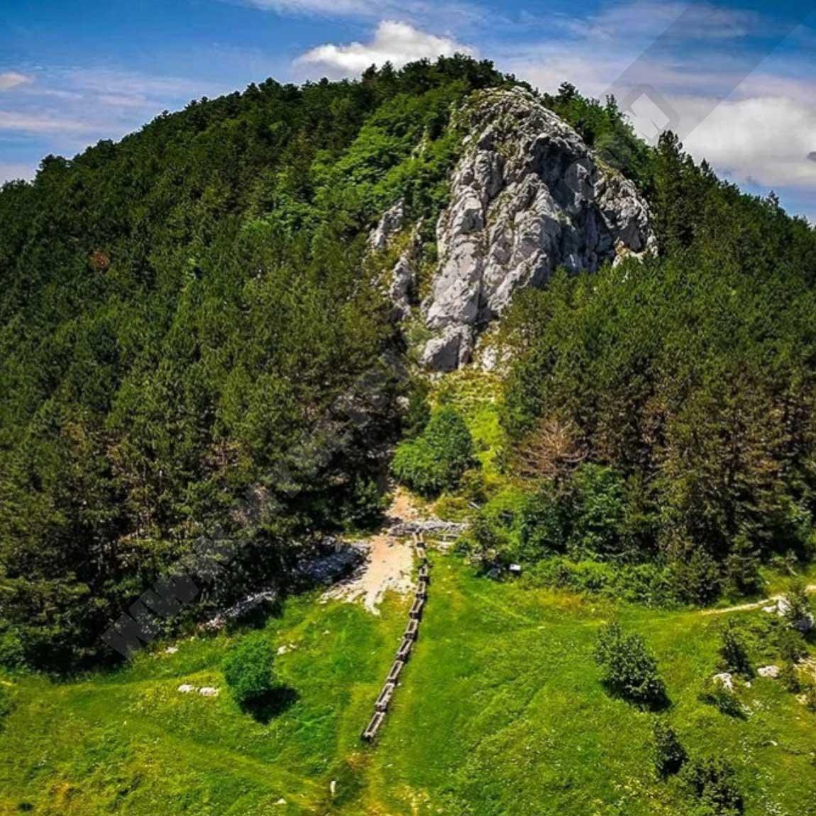 Чем привлекательно восхождение на гору Учка